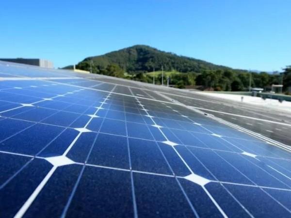 电费一年省下近千刀,这里太阳能电池板半价!
