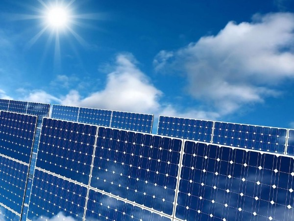 11家企业宣布472亿元光伏玻璃扩产计划