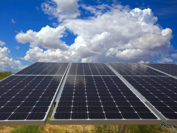 国电投2.1GW中广核1.67GW华电1.33GW 12月份逾13.5GW光伏地面电站并网