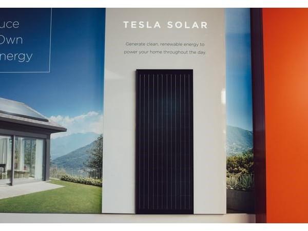 销售惨淡,特斯拉太阳能电池板迎来大降价