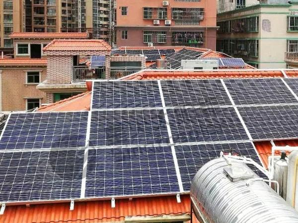 利用闲置屋顶安装太阳能光伏发电,农村一年的收入有多少?