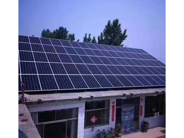 今天挑战的大型项目车顶安装3.2KW太阳能发电系统
