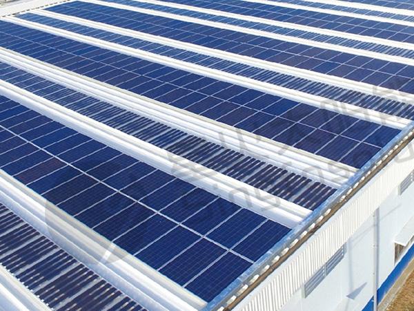 彩鋼瓦支架(jia)太陽能發電