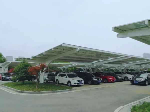 太阳能光伏发电停车棚不简单:既能停车又能发电