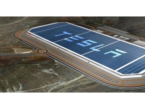 比太阳能发电还强,生锈铁板可以为电动车发电?