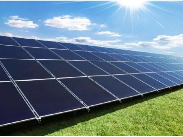 太阳能板新工艺优化能源发电