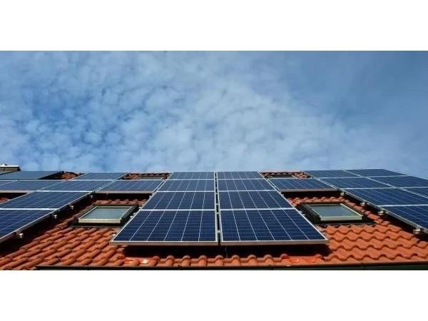安装家庭光伏发电系统,走进绿色生活——星火太阳能