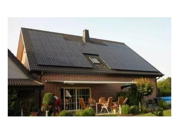 光伏发电上屋顶,家家当起电老板——星火太阳能