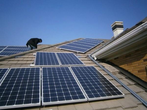光伏电站启动 太阳能发电成为清洁的能源之一—星火太阳能