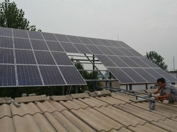 屋顶光伏电站可降温3-6℃ 入伏了 也给房子安装一套光伏电站降降温!