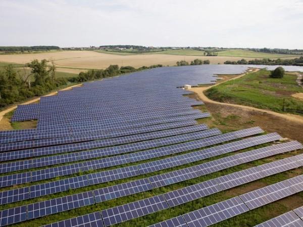 法国并网太阳能光伏发电容量累计达到10吉瓦。