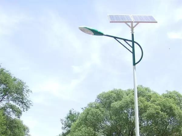 太阳能灯日常使用和保养