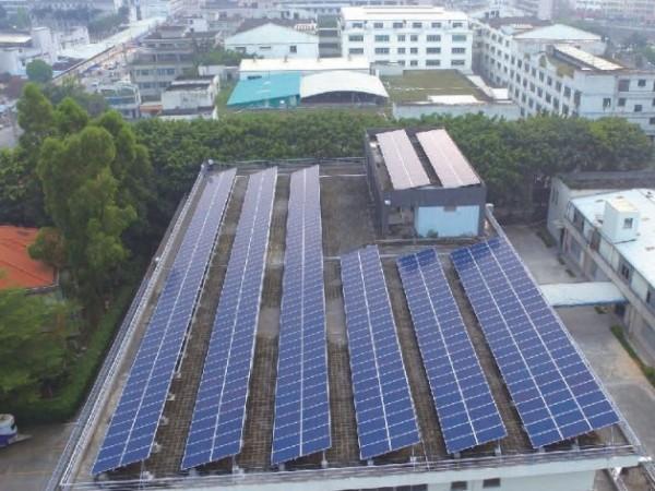 太阳能面板脏了怎么办?会不会影响发电效率?