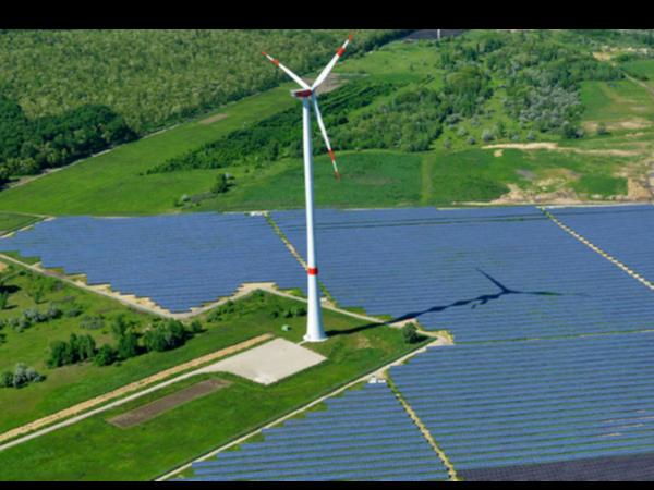 光伏发电能让贫困户多了几份收入