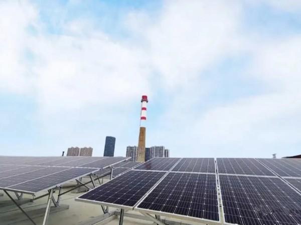 大烟囱见证历史:光伏发电及风电在成本上超过最廉价的煤炭
