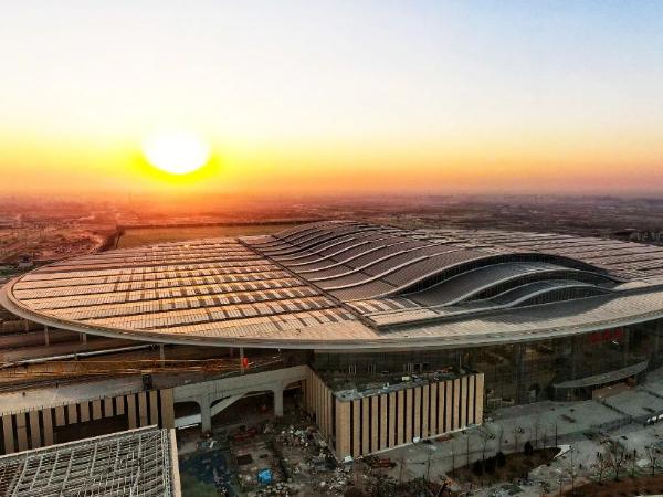 亚洲最大高铁站屋顶光伏电站并网发电!