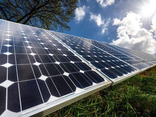 """百亿元新增光伏电池组件项目签约 扬州重大项目实现""""开门红"""""""