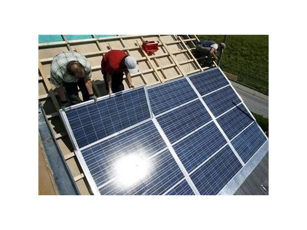 用电不花钱还挣钱,农村又一福利来袭,屋顶安装光伏发电或将启动